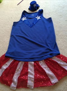 Flat FauxRunner for the Peachtree Road Race - USO girl complete with mini Top Hat!